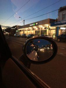 ทำใบขับขี่ Melbourne เด็กออส side mirror