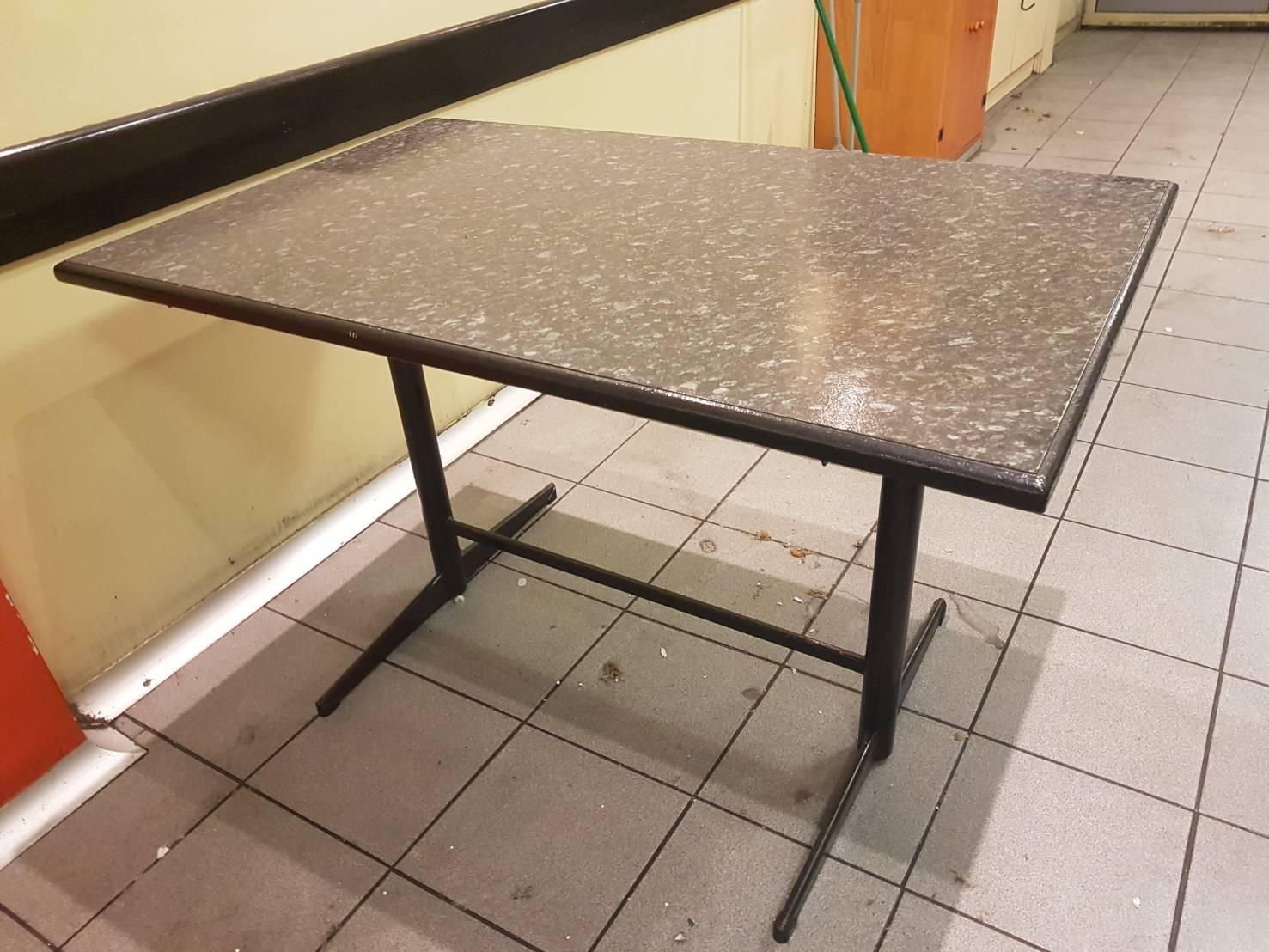โต๊ะขนาดกว้าง 120 ซม.